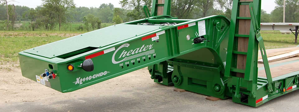 XL 110 Cheater Hydraulic Detachable Gooseneck Lowboy