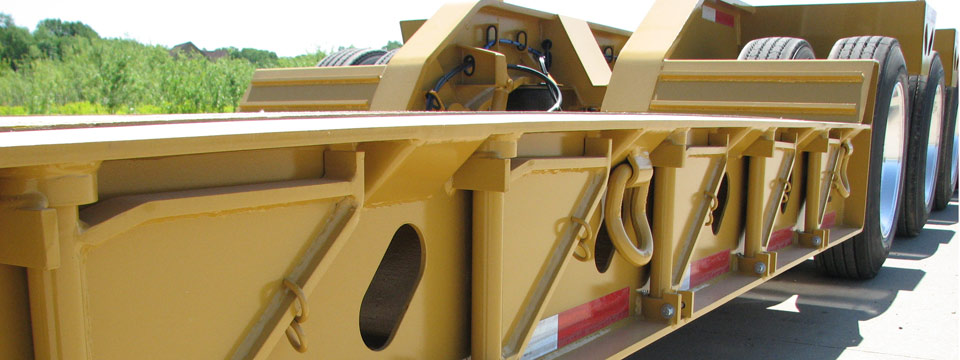 XL 110 Low-Profile Hydraulic Detachable Gooseneck with upper flange reinforcement