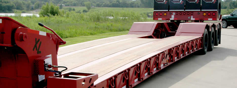XL 110 Low-Profile Hydraulic Detachable Gooseneck, Show Trailer